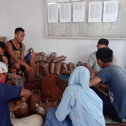 Pemdes Pakis galakan pemuda untuk UMKM
